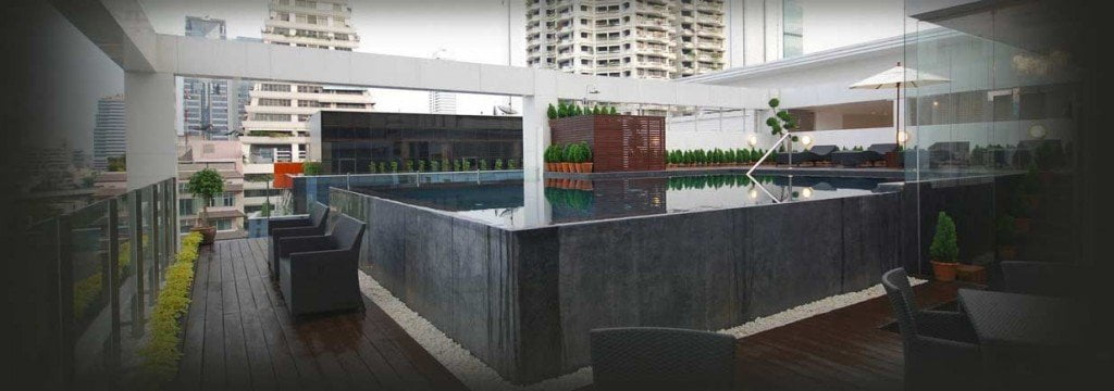 rooftoop-pool-silom