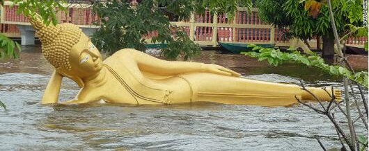 Amazing Pictures from The Devastating Floods In Thailand